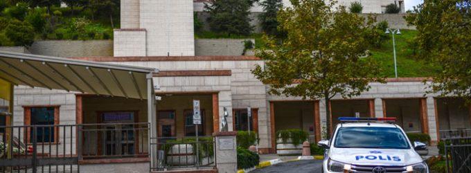Esposa e filho detidos enquanto funcionário se abriga no consulado geral dos EUA em Istambul