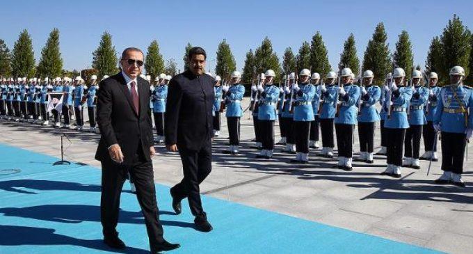 """Maduro afirma que Venezuela e Turquia partilham """"um mundo diferente"""""""