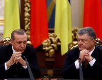 Poroshenko batendo na mesa não consegue manter Erdoğan acordado em coletiva de imprensa
