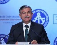 2.274 instituições educacionais particulares ligadas a Gülen fechadas desde a tentativa de golpe, diz ministro