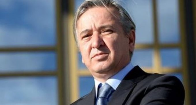 Ex-escritor de discursos de Erdogan ameaça o Movimento Gulen devido a caso de Zarrab
