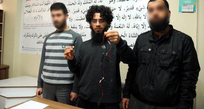 Turquia detém 75 ao mesmo tempo que tribunal solta importante suspeito do ISIL
