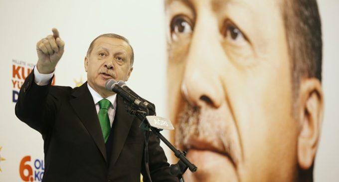 Erdogan diz que os EUA não terá sucesso em curvar a Turquia
