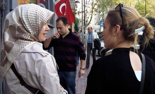 Cresce pressão na Turquia por estilo de vida conservador