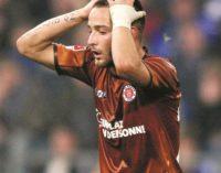 Tentaram silenciar o desportista Deniz Naki, assumidamente anti-Erdogan