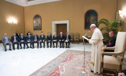 O Encontro Entre o Papa Francisco e os Yazidis, Grupo Étnico-Religioso Perseguido Pelo Estado Islâmico