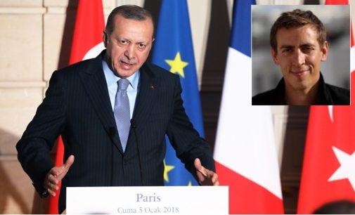 Erdogan repreende jornalista francês, diz que fala como um seguidor de Gulen
