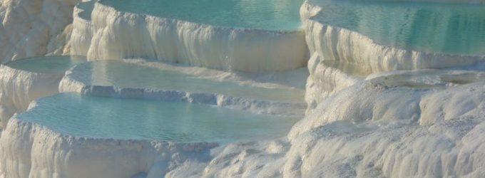 Aa fabulosas piscinas termais de Pamukkale
