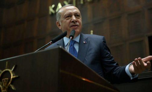 Erdogan adota insultos e sermões para manter fascínio da população
