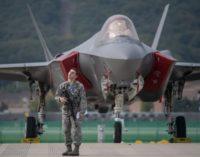Senadores dos EUA tentam bloquear entrega do F-35 na Turquia devido a pastor americano preso