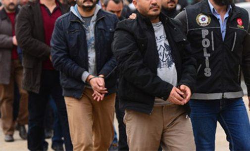 702 detidos em uma semana por supostas ligações com Gülen
