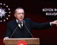 Erdoğan chama os infortúnios da lira de um ataque à economia feito por inimigos da Turquia