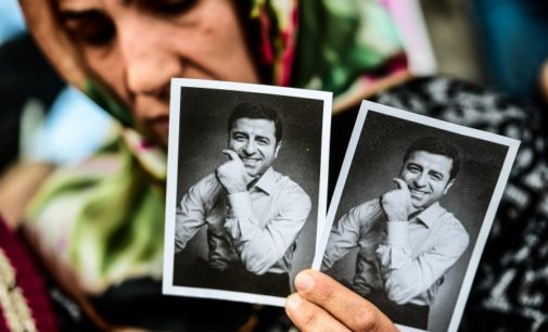 Demirtas, deputado curdo preso, anuncia manifesto