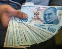 Lira ganha valor após anúncio de simplificação do banco central