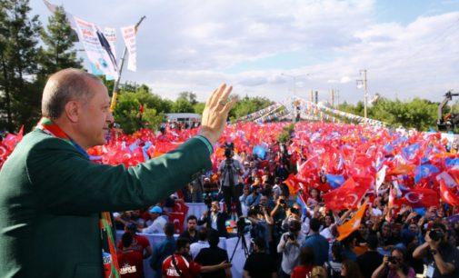 Erdogan diz que não mais existe um problema curdo na Turquia