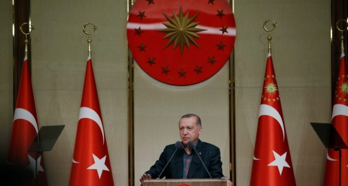 Erdogan discute com estudante de jornalismo