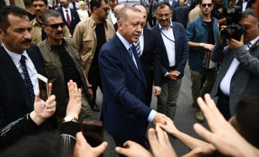 Erdogan já anunciou vitória mesmo com anúncio parcial das contagens dos votos