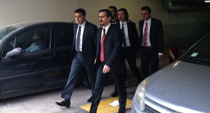 Grécia liberta todos os soldados turcos que buscam asilo