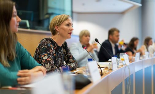 Eurodeputados pedem a Erdogan que proteja os direitos e liberdades após fim do estado de emergência