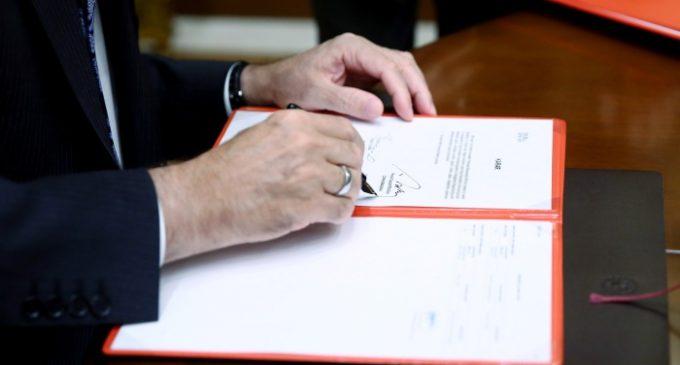 Novos decretos presidenciais redefinem autoridades de instituições públicas na Turquia