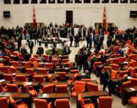 Novo projeto de lei substituindo medidas de segurança do estado de emergência é introduzido