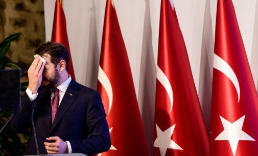 """""""Nova abordagem econômica"""" de Albayrak inútil para queda livre da lira turca"""