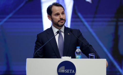 Dólar perdeu sua confiabilidade, diz ministro genro de Erdogan