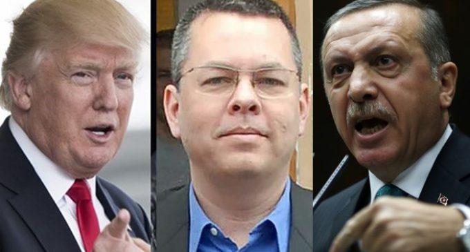 FBI investiga suposto plano para assassinar pastor americano na Turquia