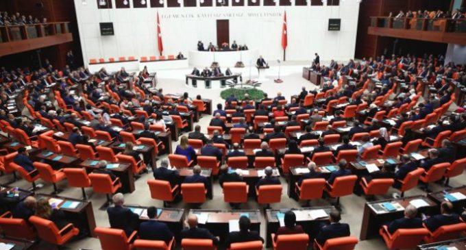 Turquia ocupa o último lugar entre 41 membros da OCDE e da UE em qualidade de democracia diz relatório