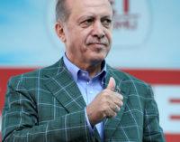"""Prisões de intelectuais na Turquia são """"absurdas"""" e """"alarmantes"""", diz UE"""