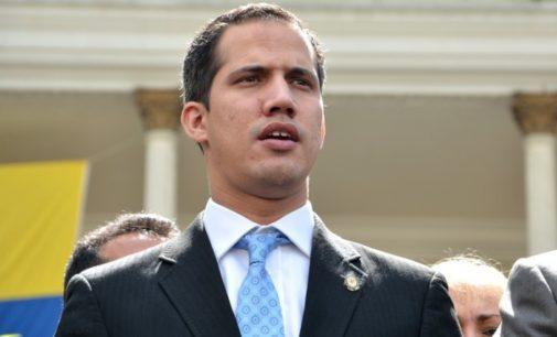 Líder da oposição venezuelana afirma que altos funcionários do governo fugiram à Turquia