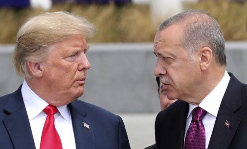 Trump pede por cessar-fogo no norte da Síria e impõe sanções à Turquia