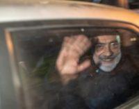 Anistia lança campanha exigindo libertação do jornalista Ahmet Altan