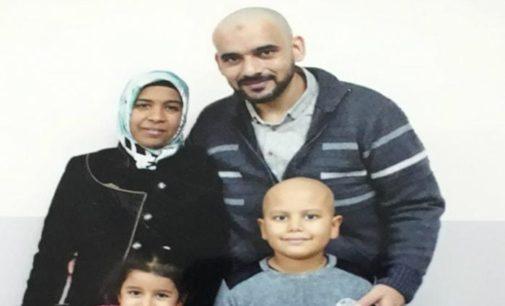 Mãe procura tratamento para o câncer de filho no exterior
