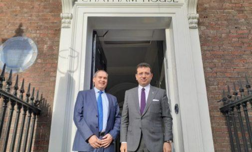 Prefeito de Istambul busca financiamento no exterior