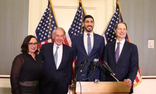 EUA recrutam Kanter para aprovar projeto de lei