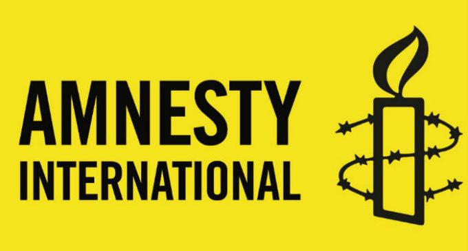 Governo turco usa pandemia para reprimir liberdades diz Anistia Internacional