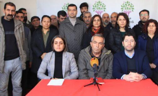 Ministro de Erdogan bloqueia ajuda do HDP ao terremoto