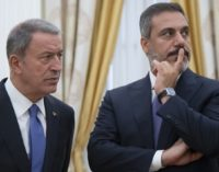 Ministro russo discute general iraniano com chefe de inteligência turco