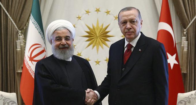 Irã convida Turquia a unir forças contra os EUA