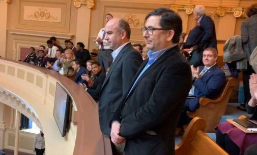 Jornalistas turcos exilados recebidos pela Câmara dos Deputados da Virgínia