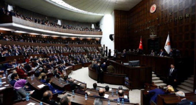 Homem detido após gritar 'Meus filhos estão com fome' durante discurso de Erdogan