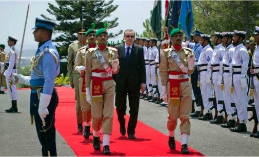 Erdogan vai ao Paquistão com agenda comercial e planos militares