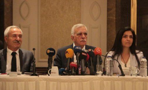 Remoção de prefeitos curdos pela Turquia viola direitos