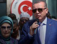 O Sultão Turco … e o divino Divã do século XXI