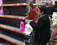 Turcos em pânico esvaziam prateleiras após o primeiro caso de coronavírus