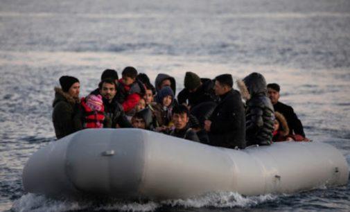 Guarda costeira turca resgata 120 migrantes bloqueados por navios gregos