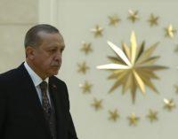 O índice de aprovação de Erdoğan continuou seu declínio em fevereiro