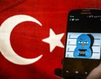 """Turquia rechaça Twitter como """"máquina de propaganda"""" por remoção de contas"""