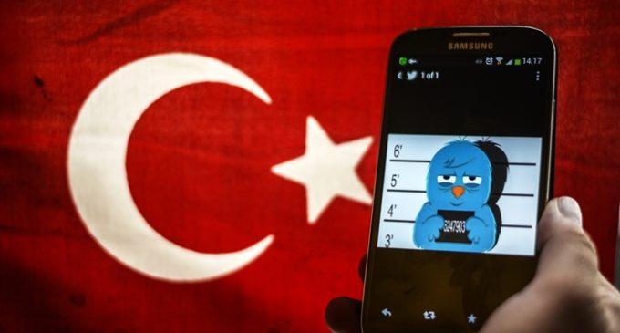 "Turquia prende famosos do Twitter por espalharem ""propaganda terrorista"""